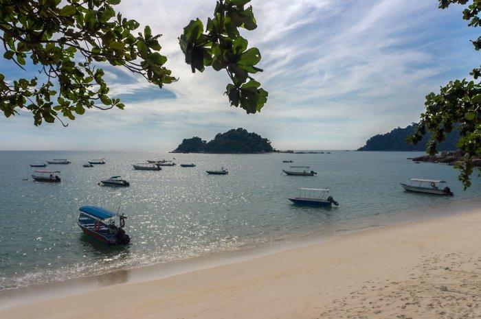 Plage sur l'île de Pangkor, Malaisie