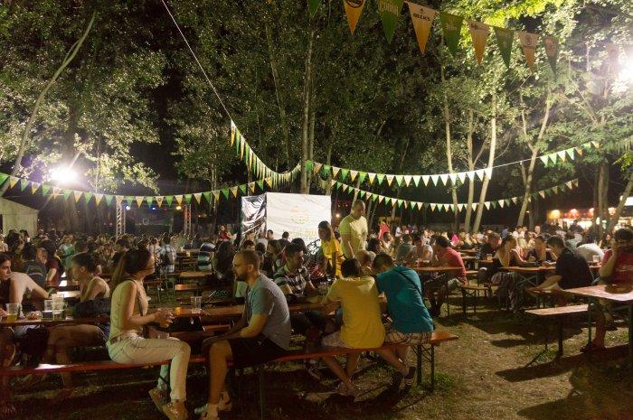 Beer Garden à Ada Cingalija, Belgrade