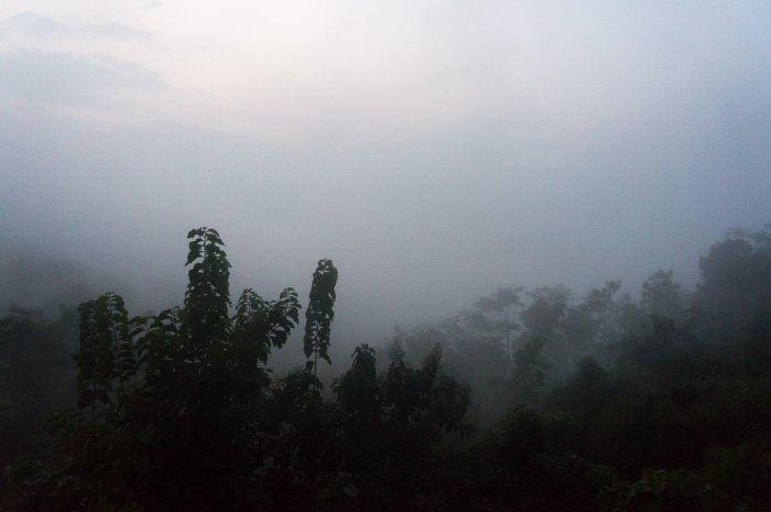 Nuages sur la vallée de Borobudur