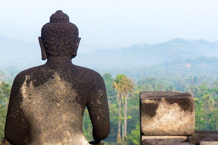 Statue de bouddha au temple de Borobudur, Java, Indonésie