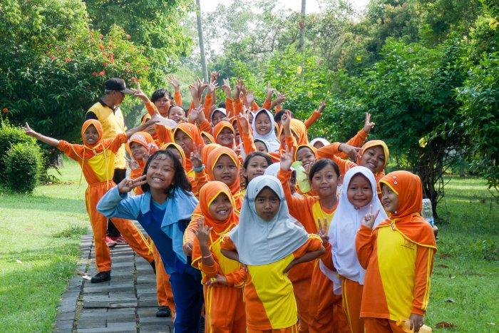 Ecolières indonésiennes