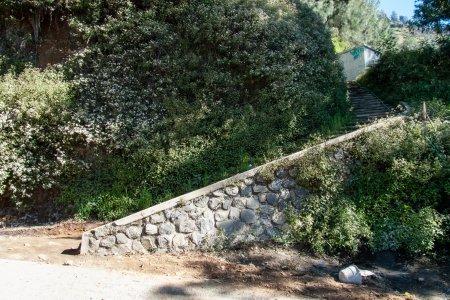 Montée sur la colline près du Bromo