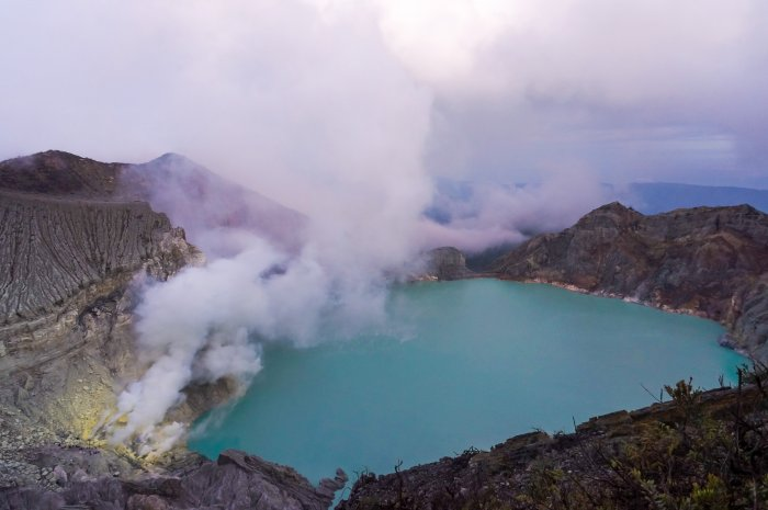 Kawah Ijen et le lac turquoise, Java, Indonésie