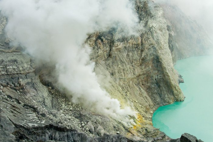 Minerai de soufre du Kawah Ijen, Indonésie