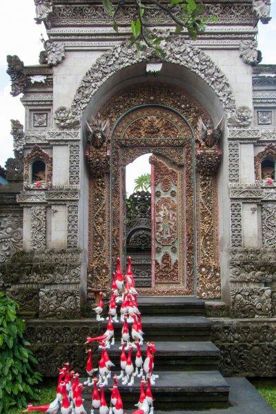 Temple et oies à Ubud, Bali