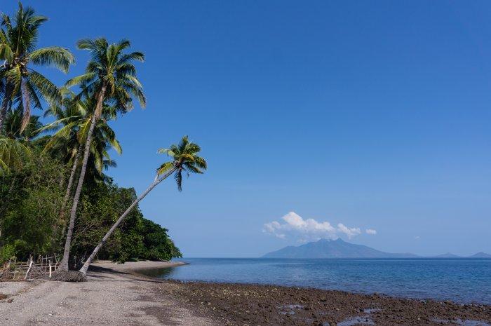 Plage de Maumere, Florès, Indonésie