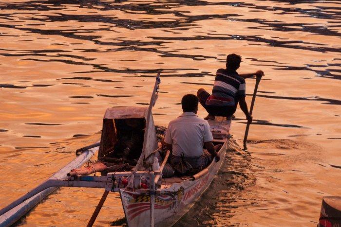 Coucher de soleil au port de Labuan Bajo