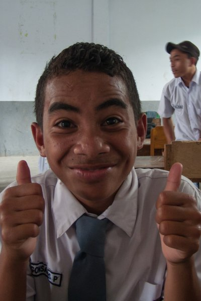 Etudiant à Florès, Indonésie