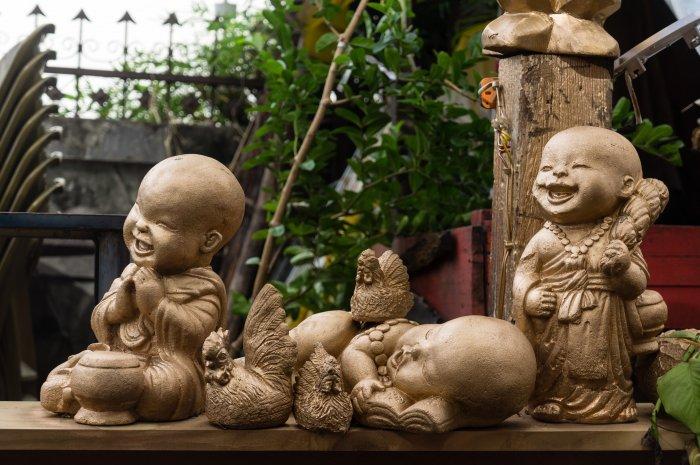 Petits bouddhas rieurs