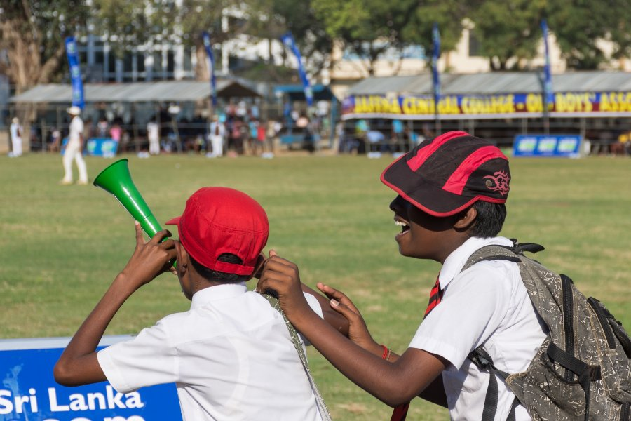 Enfants fans de cricket au Sri Lanka