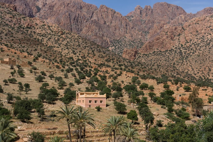 Tafraout dans la montagne au Maroc