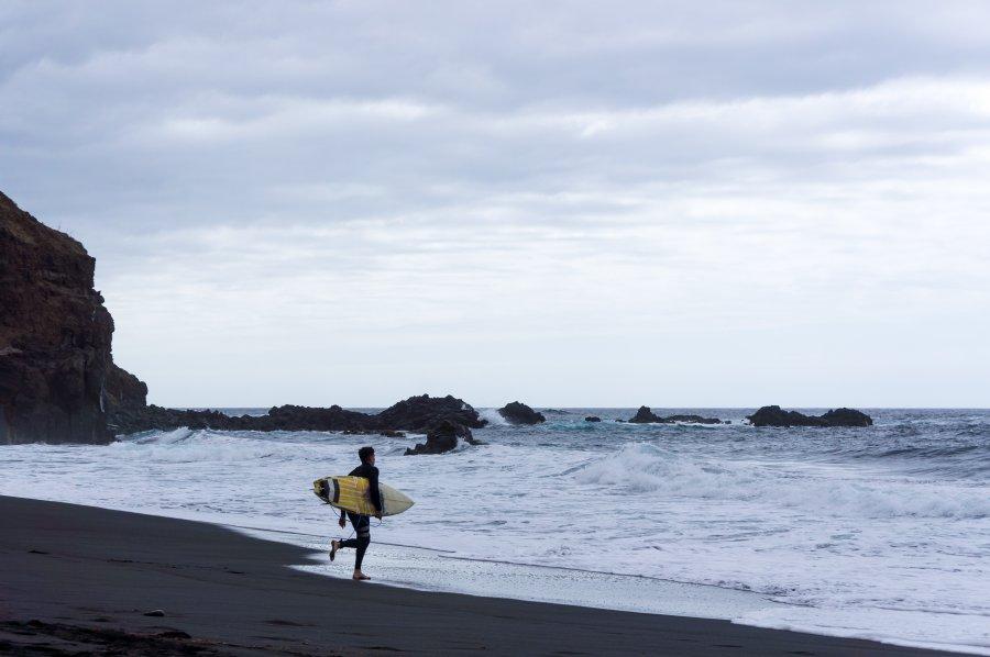 Surfeur à Tenerife, Canaries