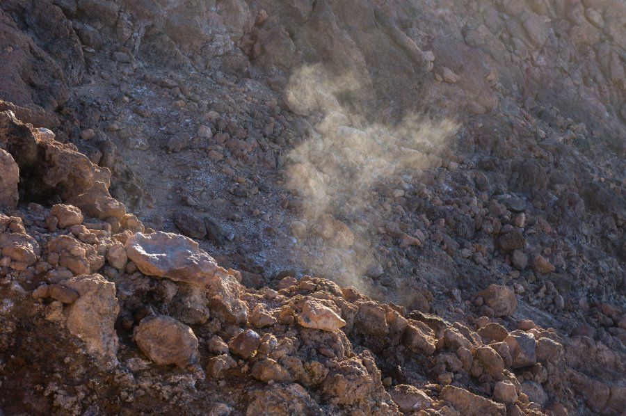 Fumerolles au sommet du Teide
