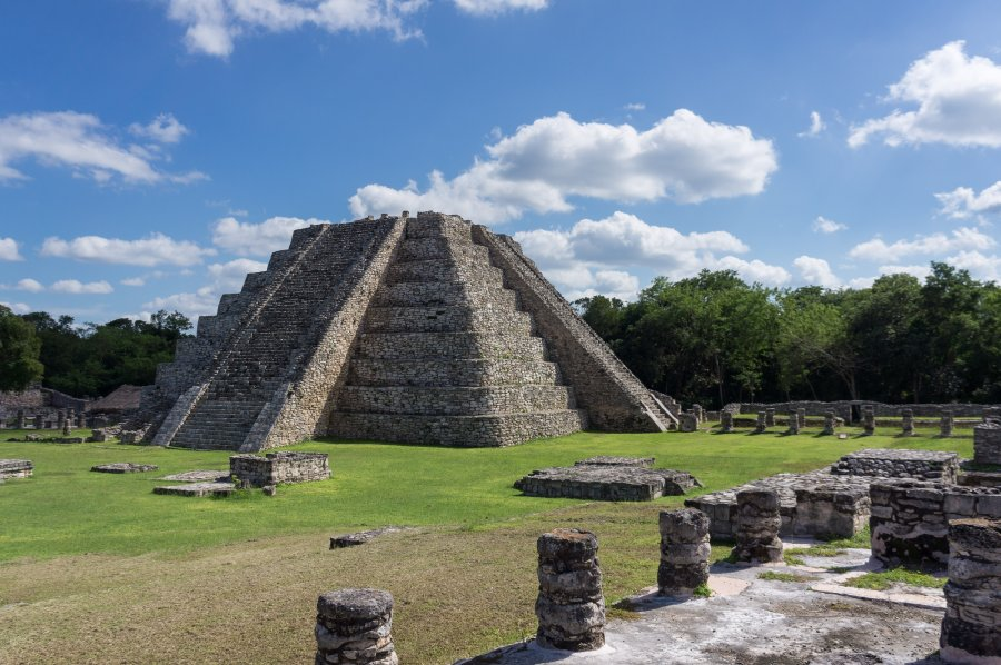 Temples maya à Mayapan, Mexique