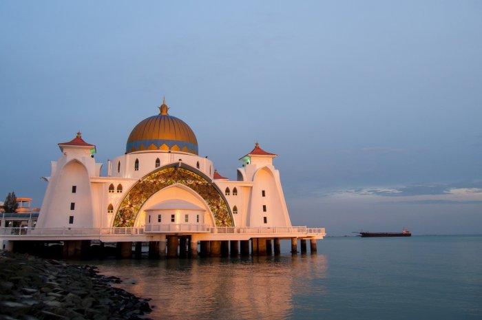 Mosquée sur l'eau de Melaka, Malaisie