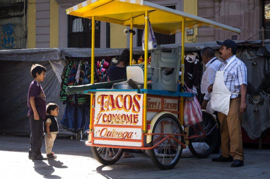 Vendeur de tacos à Oaxaca