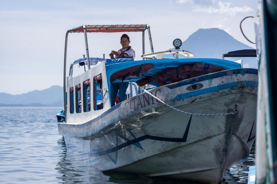 Lancha au lac Atitlán, Guatemala