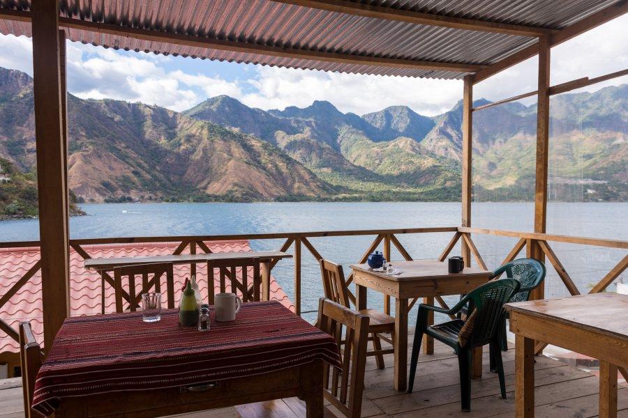 Restaurant au bord du lac Atitlán, Guatemala