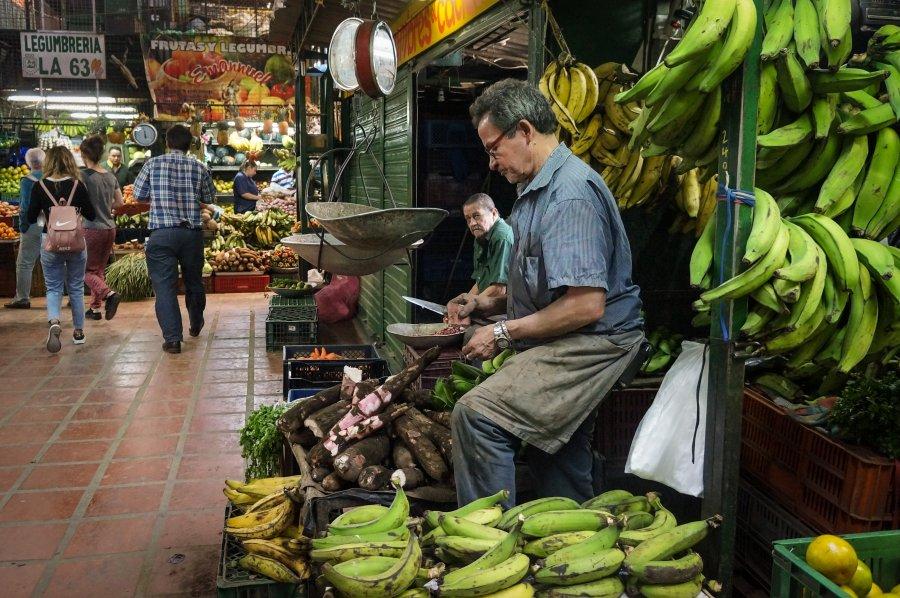 Marché de fruits exotiques à Minorista, Medellín