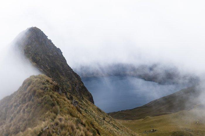 Vue sur la lagune de Mojanda depuis le Fuya Fuya, en Équateur