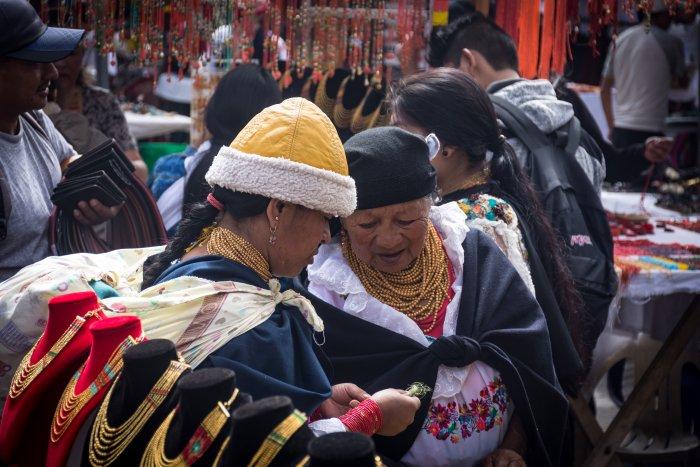 Marché artisanal d'Otavalo, Équateur