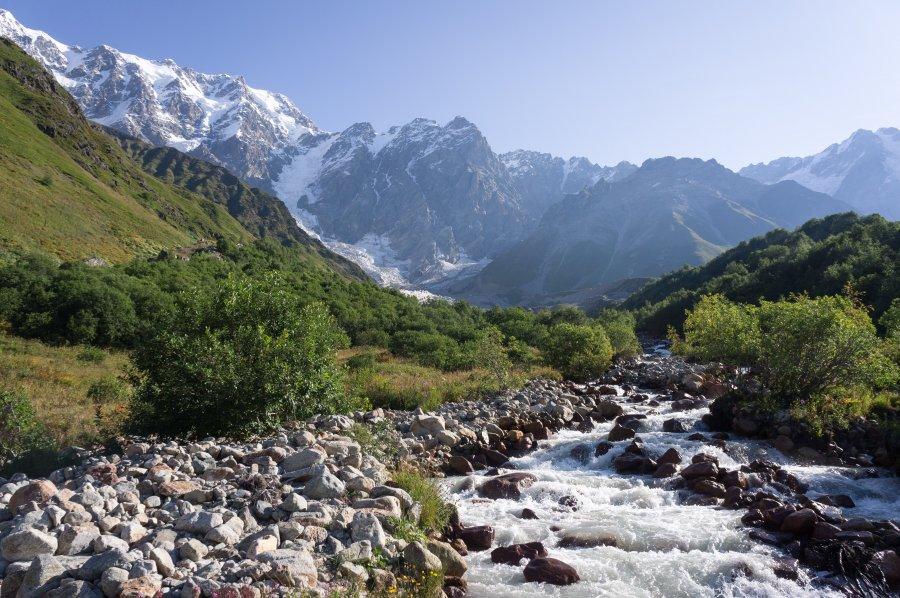 Randonnée d'Ushguli au glacierShkhara, Géorgie
