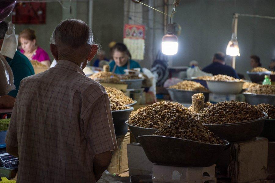 Noix au marché de Koutaïssi, Géorgie