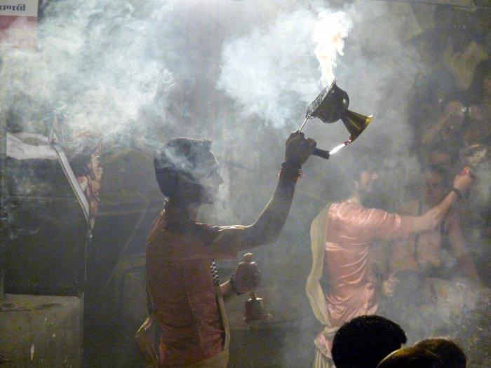 Cérémonie religieuse à Varanasi