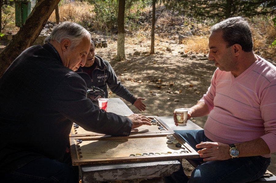 Joueurs de backgammon à Yerevan