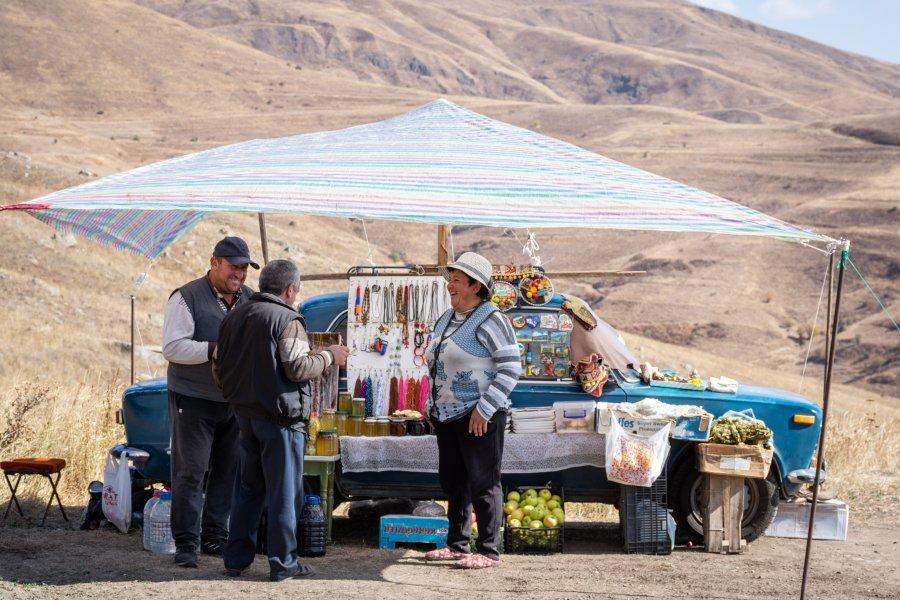 Vendeurs de rue, Caravanserail de Selim, Arménie