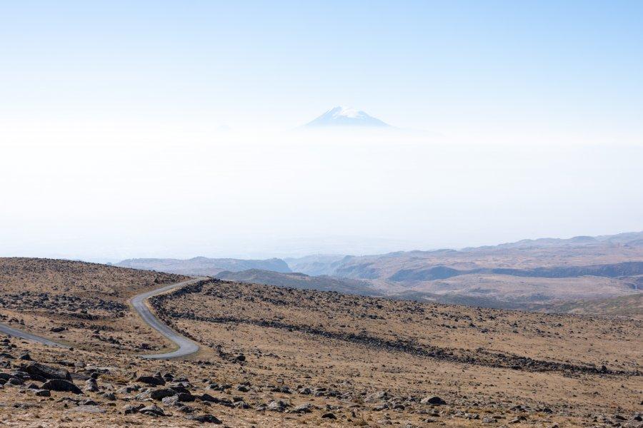 Mont Ararat depuis le volcan Aragats, Arménie