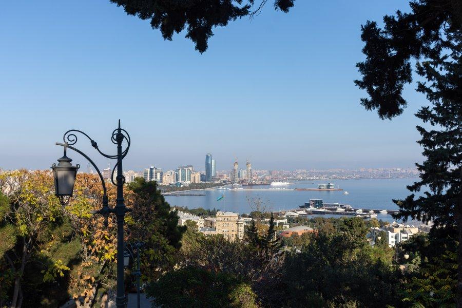 Panorama de la mer caspienne à Bakou
