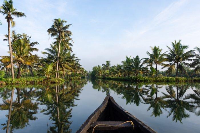 Bateau sur les backwaters, Kerala, Inde