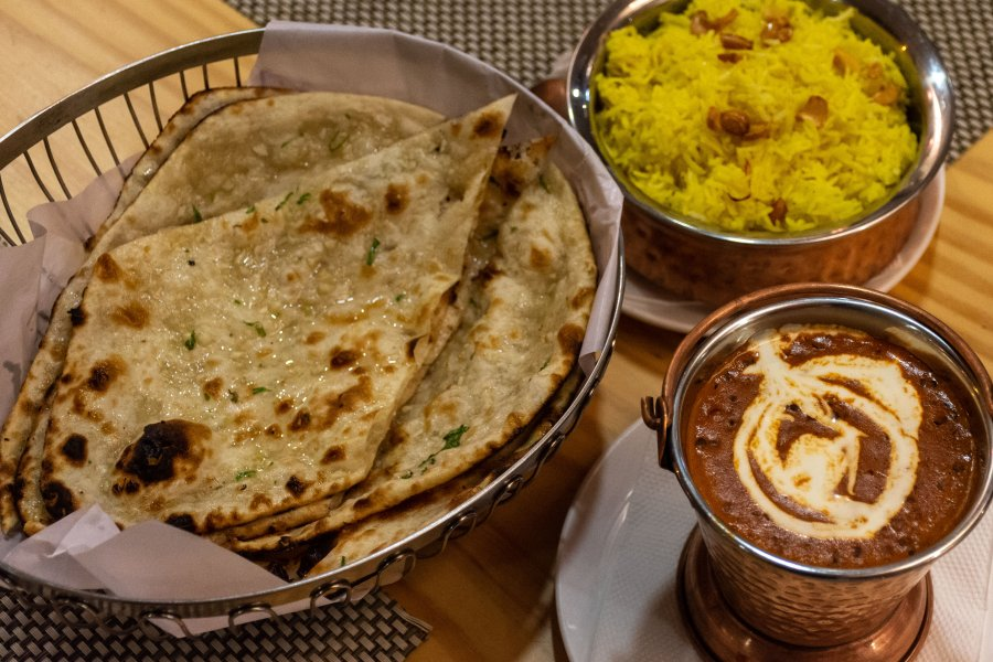 Curry et naans, cuisine indienne