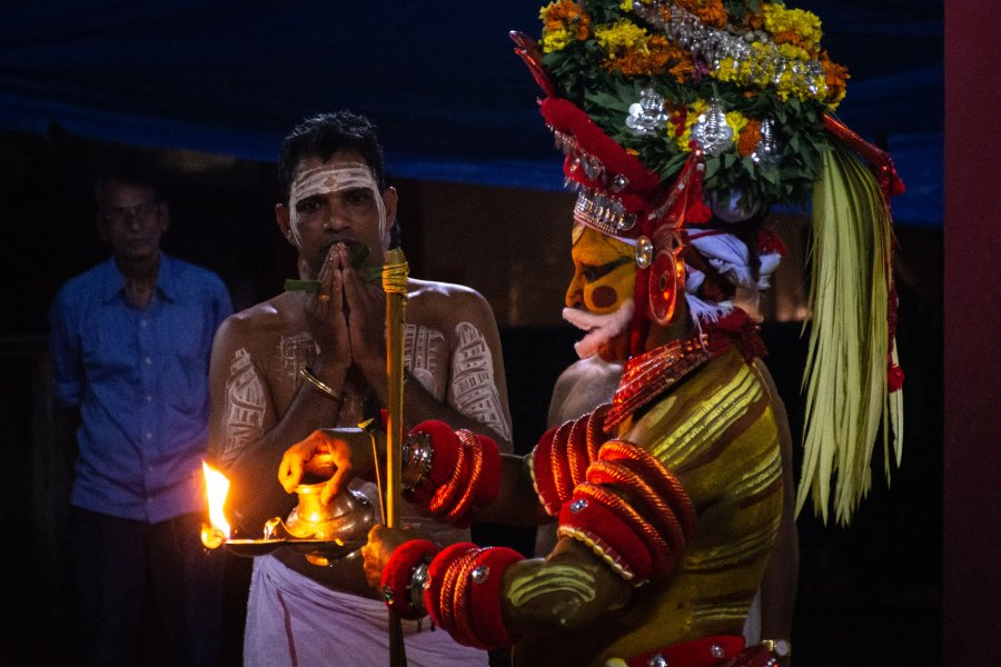 Spectacle de Theyyam, Kannur, Kerala, Inde