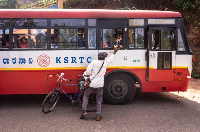Bus scolaire en Inde