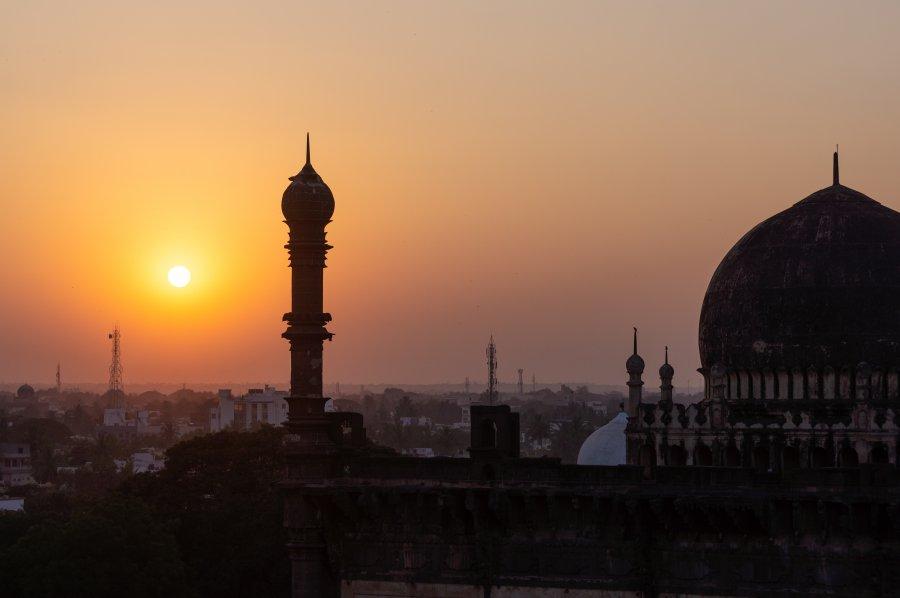 Coucher de soleil à Gol Gumbaz, Bijapur, Inde