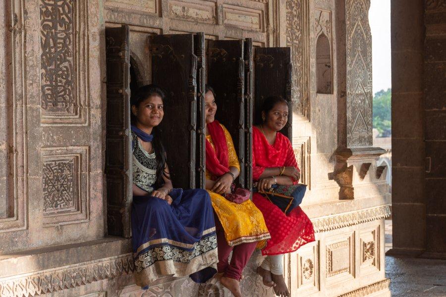 Touristes indiennes à Ibrahim Rauza, Bijapur