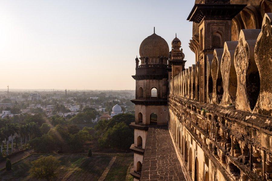 Mausolée Gol Gumbaz, Bijapur, Inde