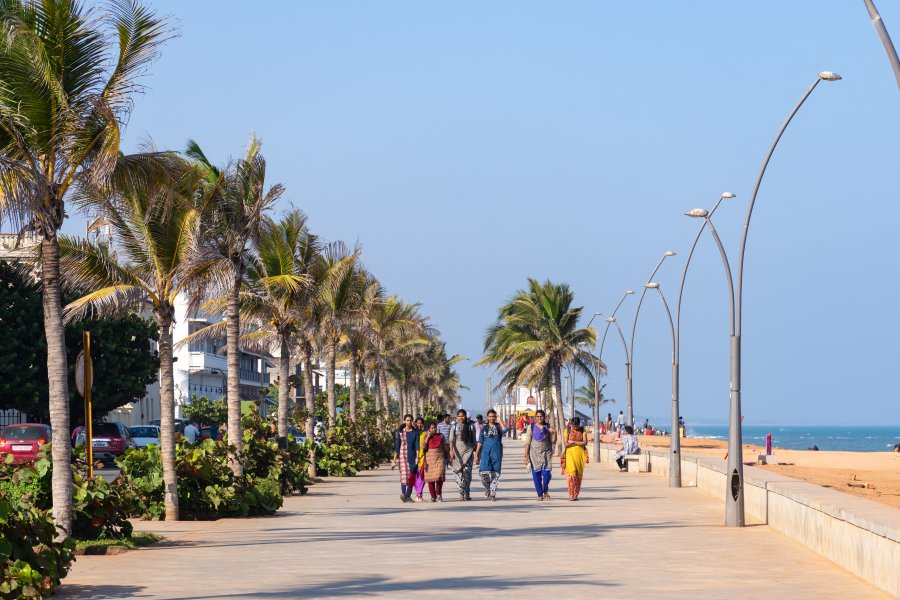 Promenade près de la plage de Pondichéry, Inde