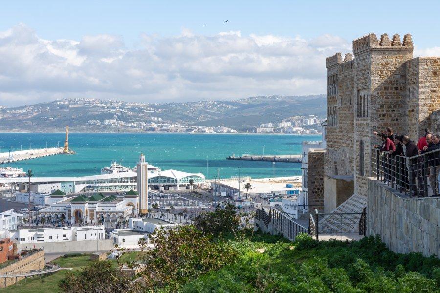 Vue sur le port de Tanger au Maroc