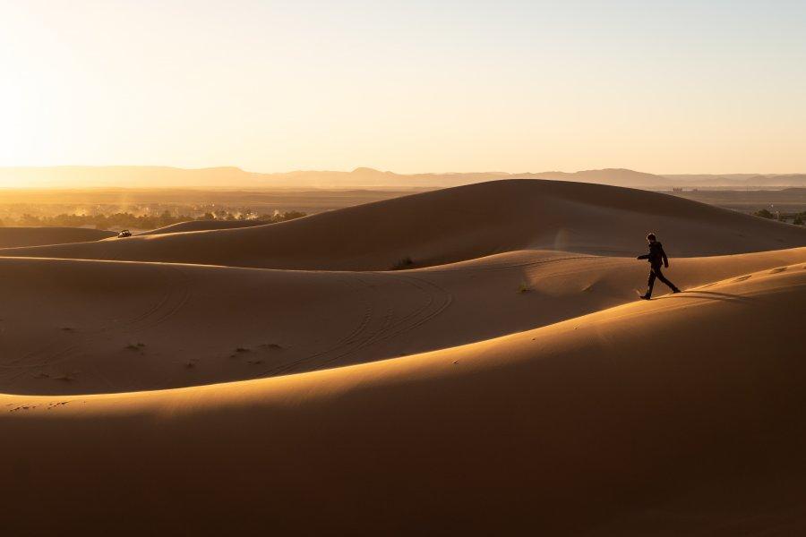 Balade dans les dunes de l'Erg Chebbi au Maroc