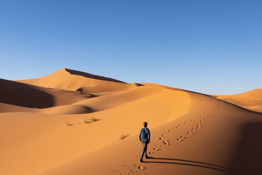 Les dunes du Sahara à pied
