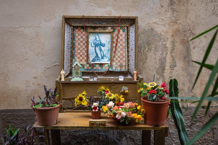 Autel religieux en Sicile