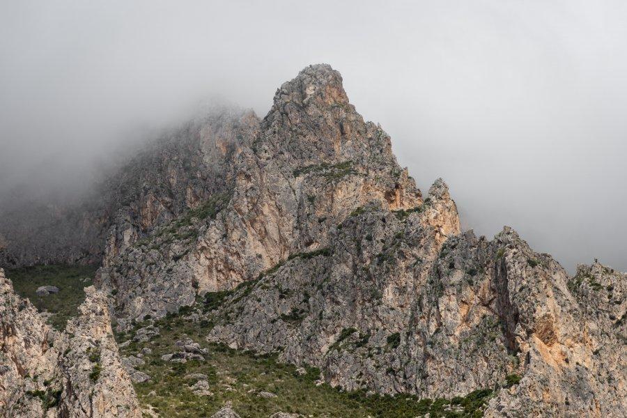 Le Monte Cofano dans les nuages