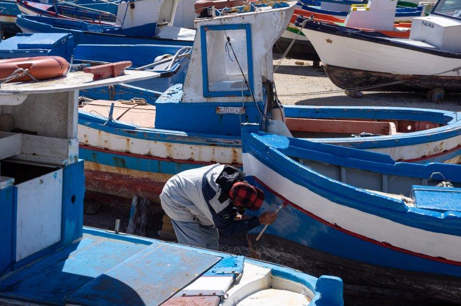 Peinture sur un bateau de pêche, Sicile