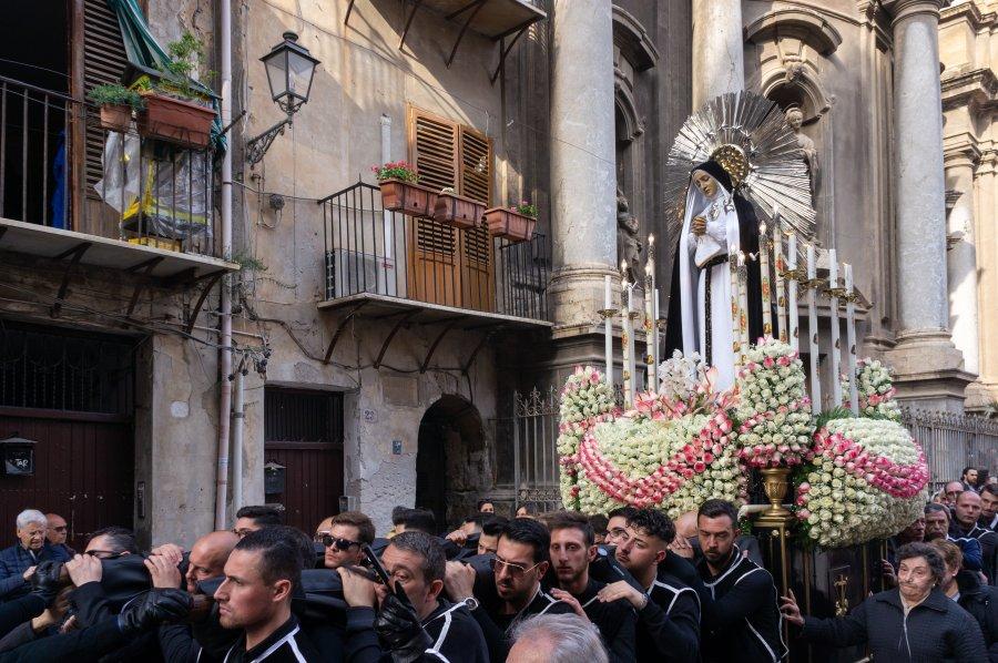 Procession de Paques en Sicile