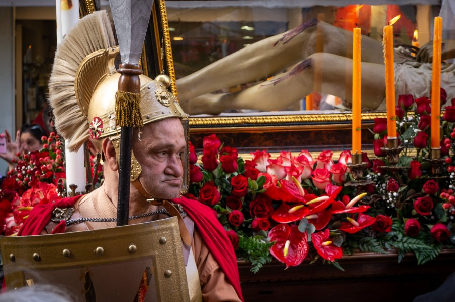 Procession pour Paques en Sicile