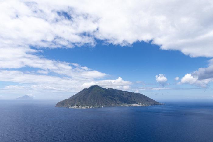 Île de Salina depuis Lipari, Sicile