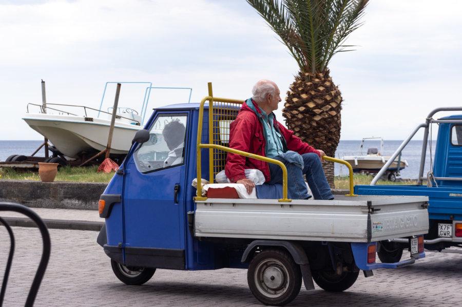Triporteur-taxi sur l'île de Stromboli